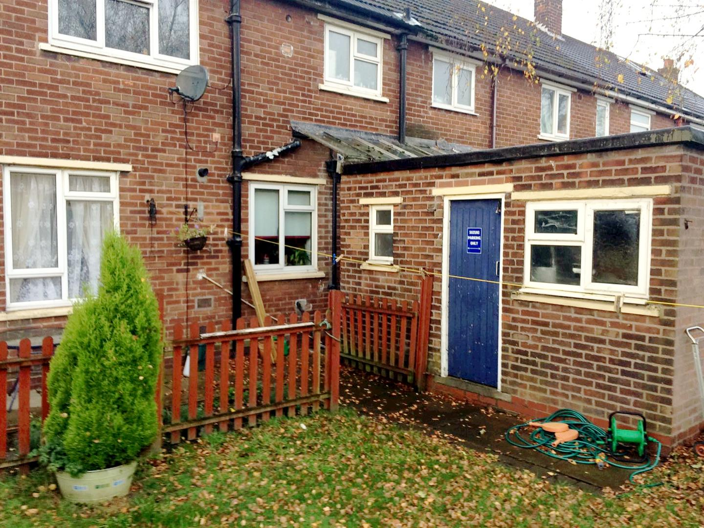3 Bedrooms End Of Terrace House for sale in Winchester Road, Eccles, Manchester